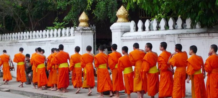 LegendsofLaosItinerary2Monks-in-Luang-PrabangLaos-152361319126059_800_600