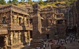 Dél-India körutazás-Ellora-barlangok
