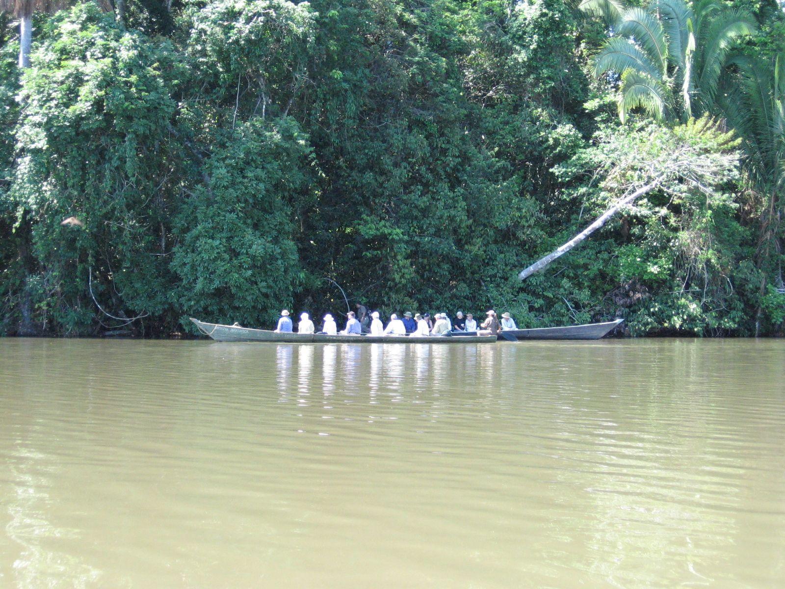 Peru - Hajózunk a Sandoval-tavon. Fotó: Papp Éva